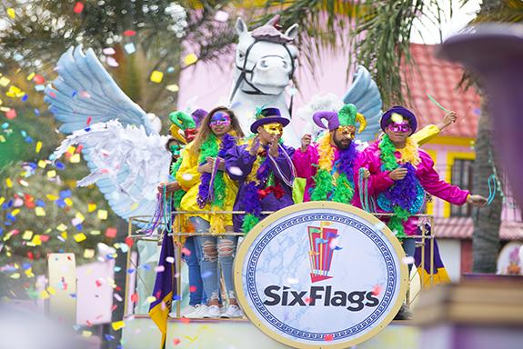 DISFRUTA CARNAVAL DE SIX FLAGS